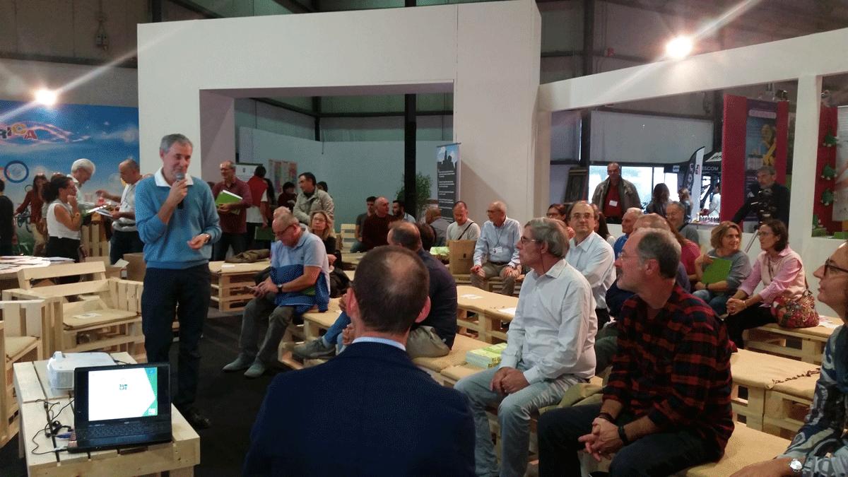 La platea durante l'evento alla presentazione del 6 ottobre 2017